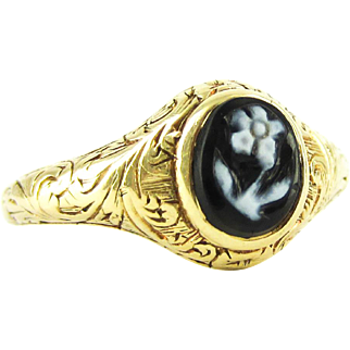 Antique Mourning Ring, Forget Me Not Engraved Hardstone Ring. Circa 1820s Late Georgian to 1830s Early Victorian , 18ct.