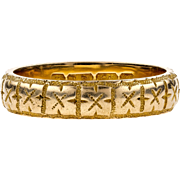 Antique Victorian 18 Carat Gold Engraved Wedding Band, Hallmarked Birmingham 1870s. Size K.5 / 5.5.