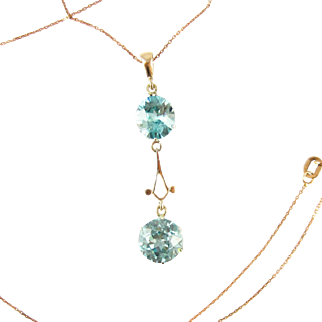 Art Nouveau Blue Zircon Pendant, Vintage Double Blue Zircon Drop Necklace in 9 Carat Rose Gold. Circa 1910s.