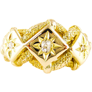 1910s Lover's Knot Ring with Old Cut Diamonds, 18ct Yellow Gold Heavy Triple Knot Ring. London 1919.