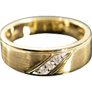 10K 0.06 Ctw Diamond Accented Wedding Band Ring Size 10 Yellow Gold