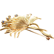 14K Retro Sapphire Lotus Flower Pin/Brooch Yellow Gold