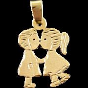 14K Kissing Boy & Girl Lovers Love Charm/Pendant Yellow Gold