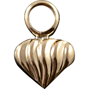 10K Scallop Heart Puffy Charm/Pendant Yellow Gold