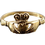 14K Traditional Irish Celtic Claddagh Wedding Ring Size 8.25 Yellow Gold