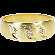 14K Diamond Three Stone Inset Textured Band Ring Size 7 Yellow Gold