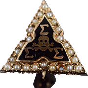 10K Vintage Sigma Skull Triangle Seed Pearl Fraternal Pin/Brooch Yellow Gold