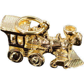 14K 3D Detailed Steam Train Locomotive Charm/Pendant Yellow Gold