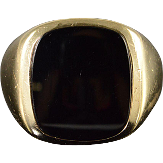 10K Black Onyx Inset Ring Size 9, Yellow Gold