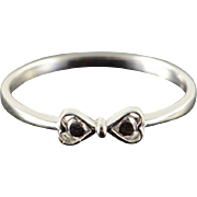 18K Ribbon Heart Band Ring Size 7 White Gold
