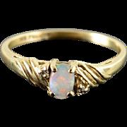 10K 0.10 CTW Opal Diamond Ring Size 7.5 Yellow Gold