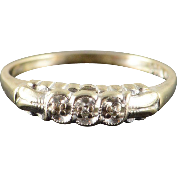 14K Vintage Genuine Diamond Inset Wedding Band Ring Size 5 5 White from curio