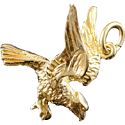 14K 3D Flying Eagle Landing Charm/Pendant Yellow Gold