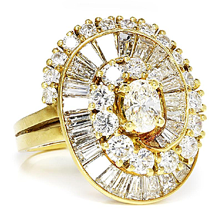 Vintage Oval Diamond Ballerina Ring in 18kt Yellow Gold 4.23ctw