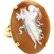 Antique Shell Cameo Ring in 14kt Yellow Gold Woman with Harp Instrument