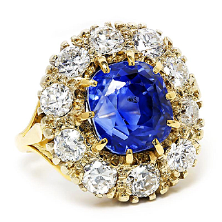 Vintage Retro Cushion Sapphire Ring with Diamonds in 18kt Yellow Gold 9.00ctw