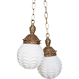Hollywood Regency Style Lamps 2 Globes Scallop Design Milk Glass
