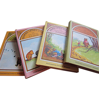 POOH'S POT o' HONEY - Boxed Set of Four Illustrated Miniature Winnie the Pooh Books, First Edition, 1968