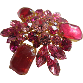 AUSTRIA Gorgeous Pink, Rose and Fuschia Rhinestone Large Brooch