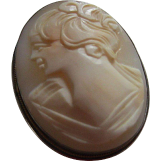 Pretty Shell Cameo Pin/Pendant in Silver Mount - Smiling Lady in Off-the-Shoulder Dress