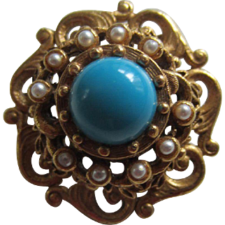 FLORENZA Ornate Gold Plated Brooch with a Turquoise Glass Cabochon and Simulated Pearls