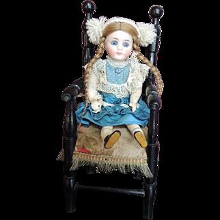 Large blue eyed Sonnenberg in original dress.