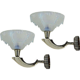 PETITOT Pair of Bronze and Opalescent Wall Sconces 1930
