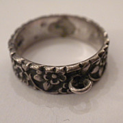 1940's Vintage FORGET Me NOT Sterling Silver Band Ring for CHARM