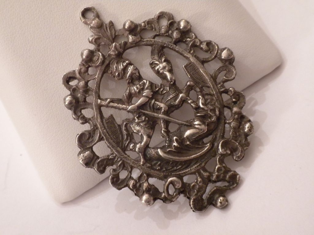 the silver dragon jewelry