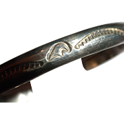 SIGNED Vintage American INDIAN Sterling Silver Cuff Bracelet with BEAR Motif