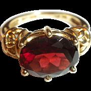 DAZZLING Estate Vintage CHERRY RED Natural Garnet & 14kt Yellow Gold Ring - Size 6.25