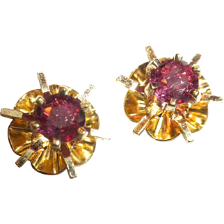 VERY FINE 1940's Vintage Genuine Red Ruby & 14kt Gold Pierced Stud EARRINGS