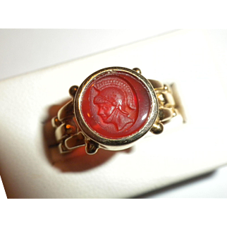 WONDERFUL Vintage Miniature Hardstone Intaglio Carved Cameo & 14kt Gold RING