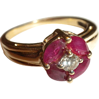 SWEETEST 1960's Vintage Genuine Red Ruby - Diamond & 14kt Yellow Gold RING