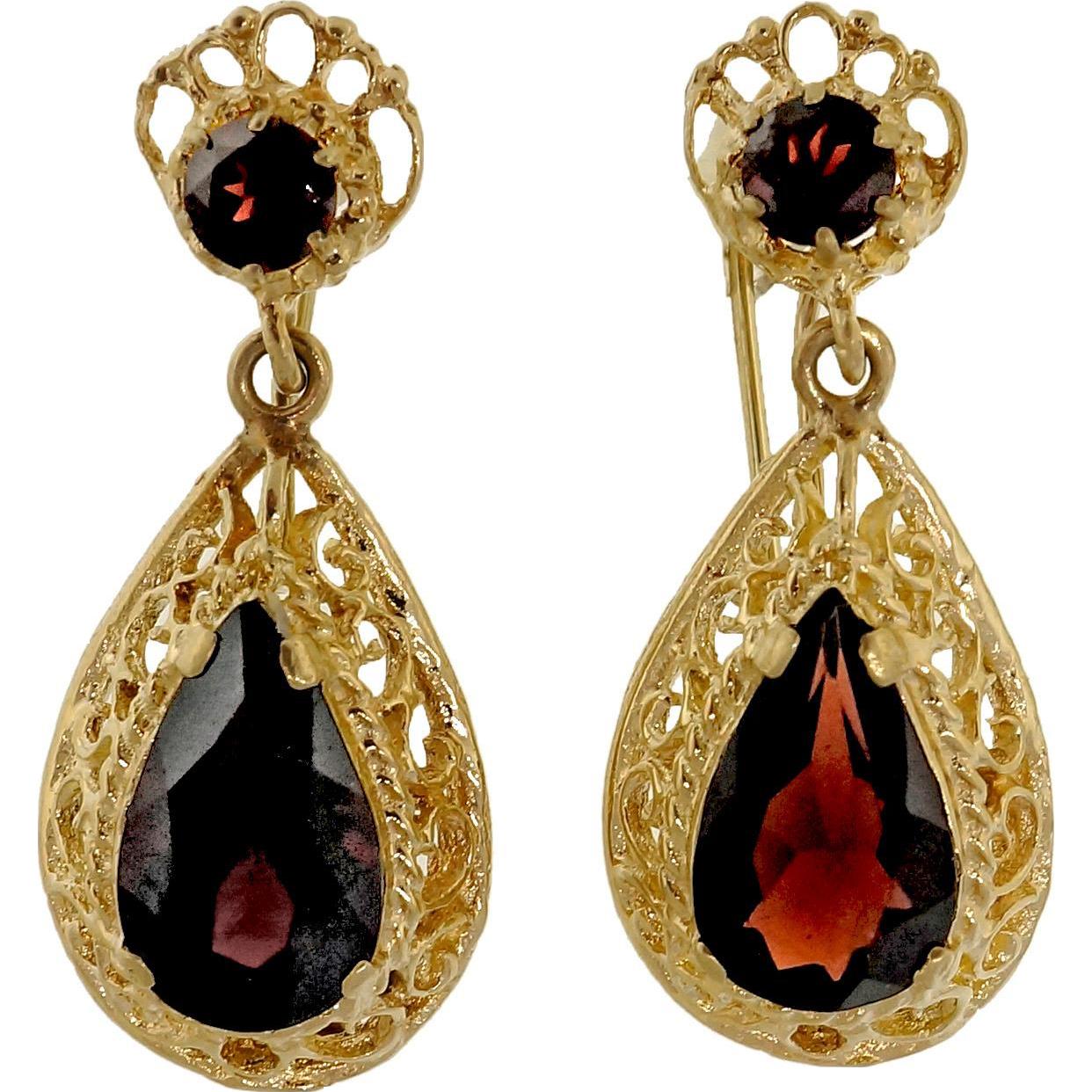 Pyrope Garnet 14 Karat Yellow Gold Filigree Dangle Earrings