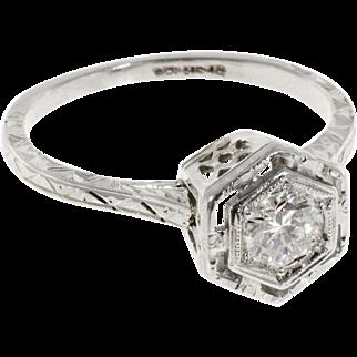 Art Deco Filigree Diamond 18 Karat White Gold Engagement Ring
