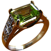 Mid Century Vintage Peridot and Diamond Ring