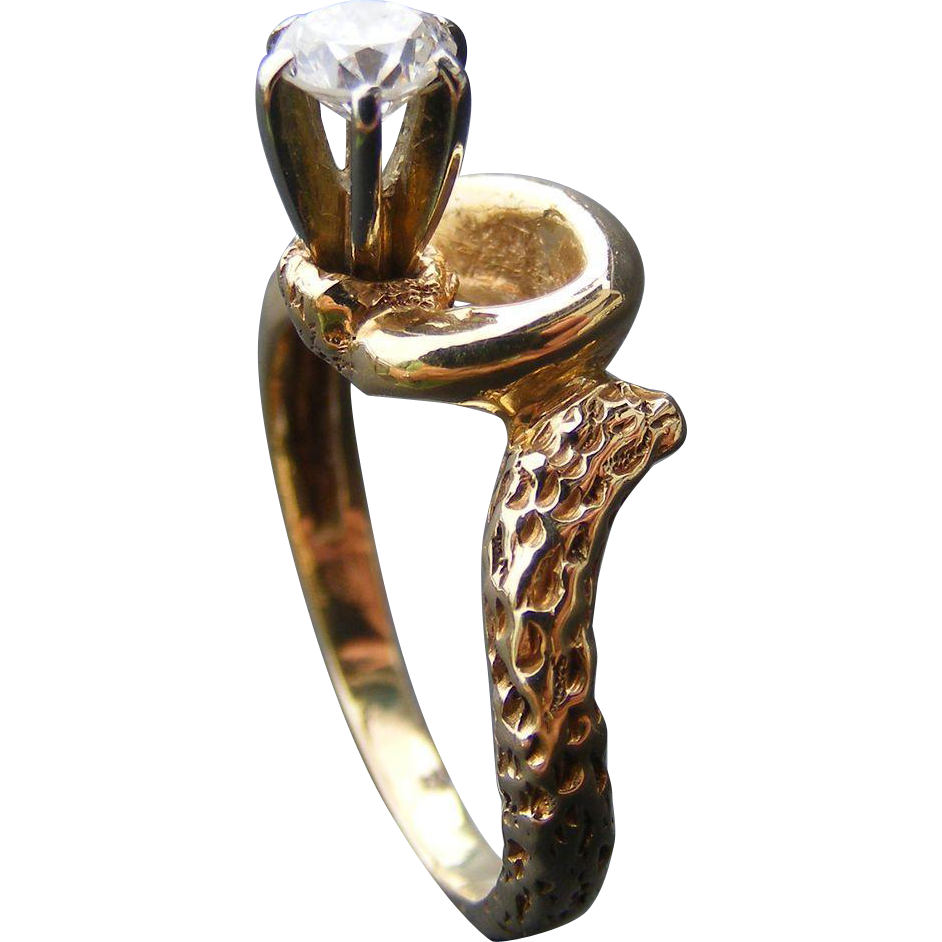 Vintage Solitaire Diamond Mid Century Ring 18 k Yellow and White Gold