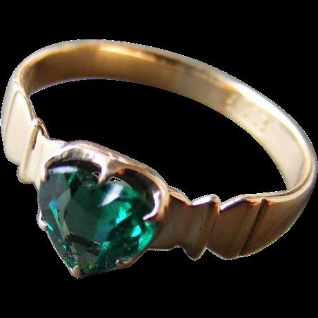 Vintage Mid Century Heart Shaped Green Tourmaline Ring