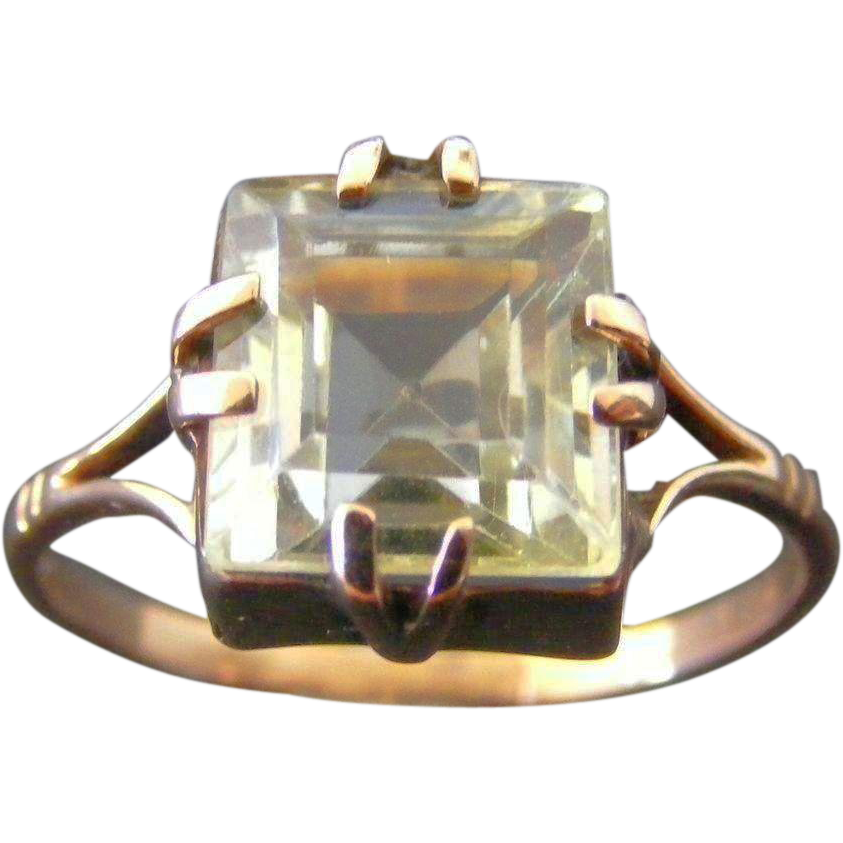 Victorian Era Pale Green Natural Spinel Solitaire Ring
