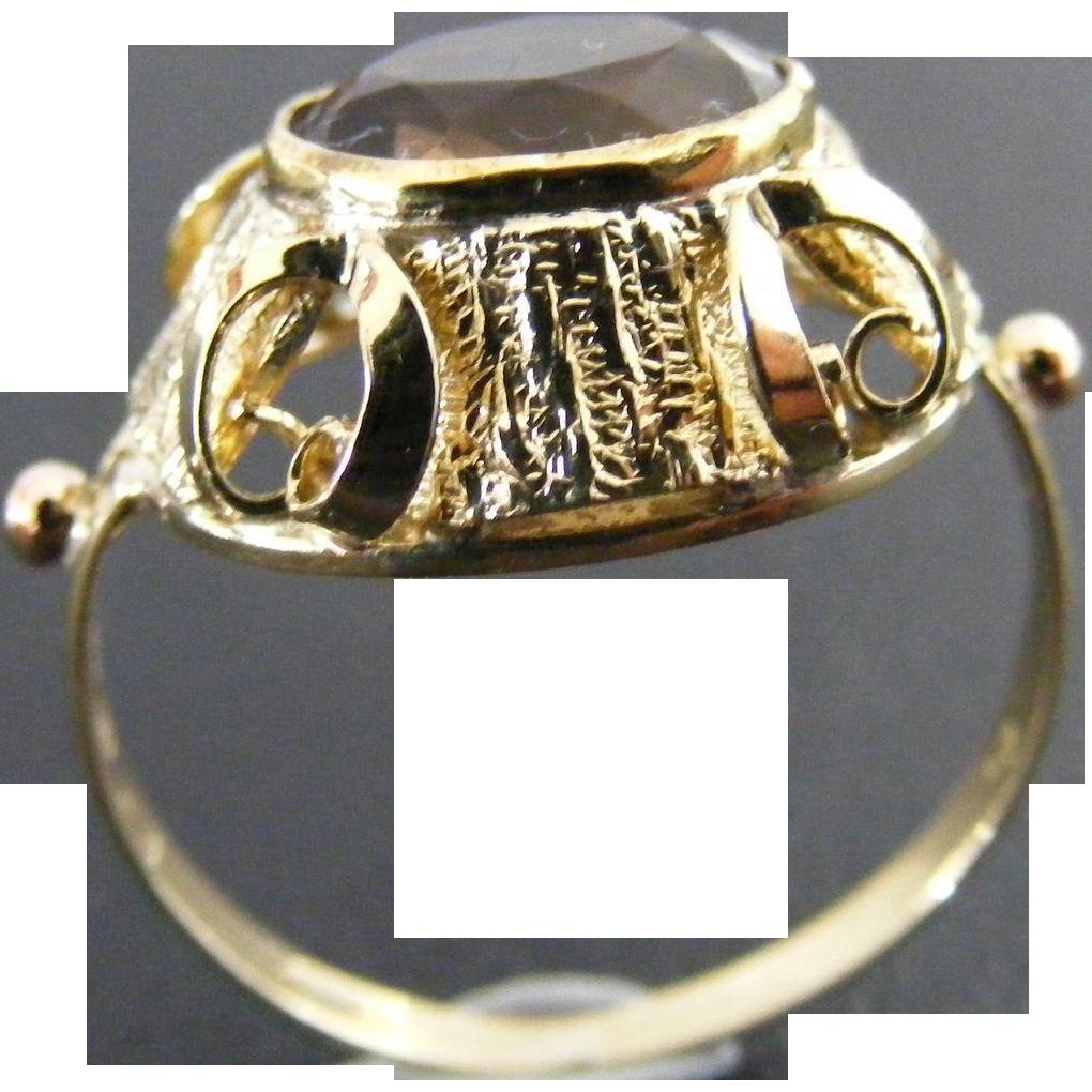 Art Nouveau, Jugendstil Smoky Quartz 14 k Green Gold Ring with Austrian Hallmarks