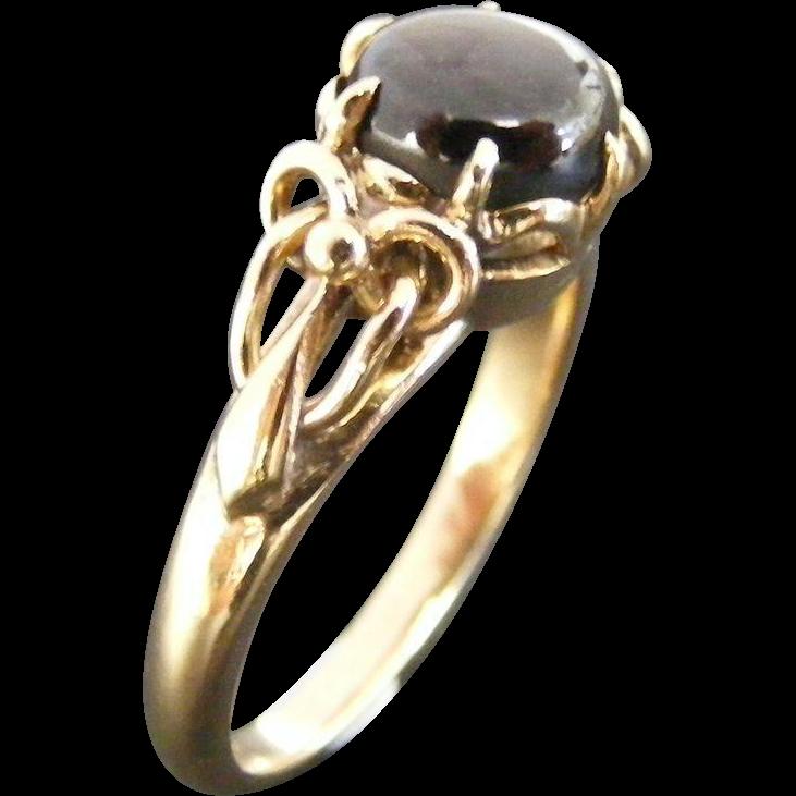 Antique Cabochon Star Sapphire Ladies Ring