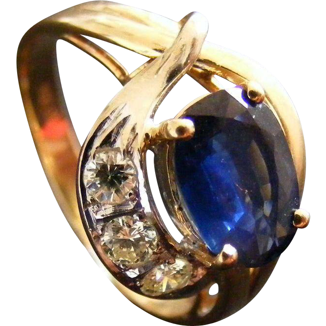 Vintage Mid Century 1.5 ct Blue Sapphire and Diamond Ring, 14 k Gold