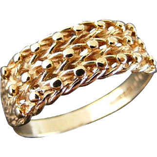 Vintage British Detailed Keeper Ring London 1966