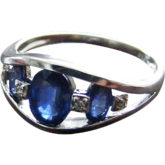 Vintage Unisex Natural Sapphire and Diamond Ring