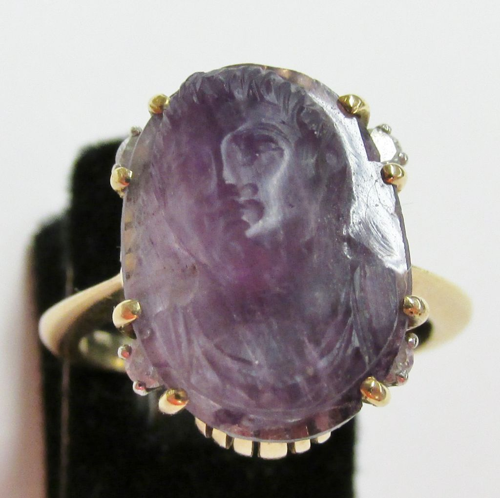18K Ladies Vintage Carved Amethyst Cameo Ring with Diamond Accents