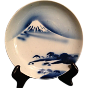 Japanese Antique 19th c Imari Porcelain Plate of 富士山  Mt. Fuji