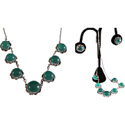 Japanese Estate Three Piece .950 Sterling Necklace Set with Claw Settings and 18  Apple Green Chrysoprase Cabochons
