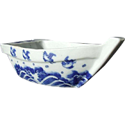 Japanese Antique ko-Imari 伊万里  Blue and White Porcelain Boat