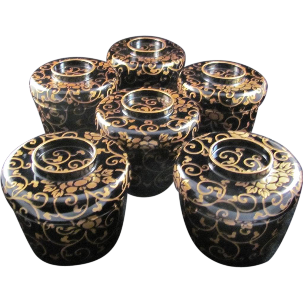 Japanese Antique Set Iro-urushi 色漆 Lacquerware Six Bowls with a Gold Maki-e Arabesque Design